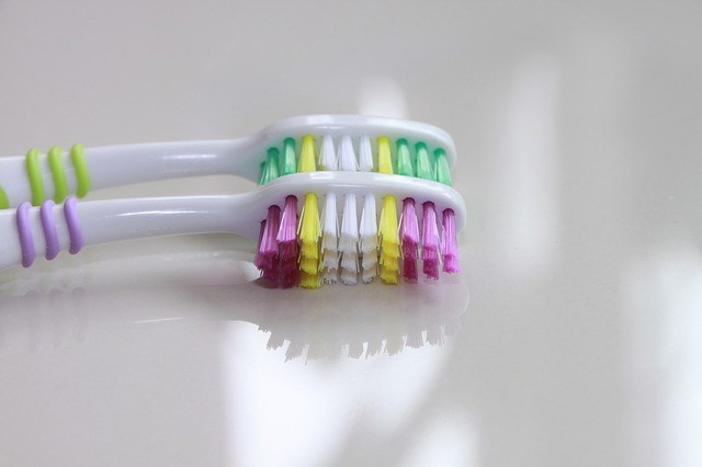 Lär dig att borsta tänderna rätt med Vården.se!