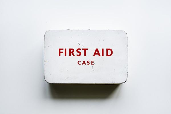 Första hjälpen-låda