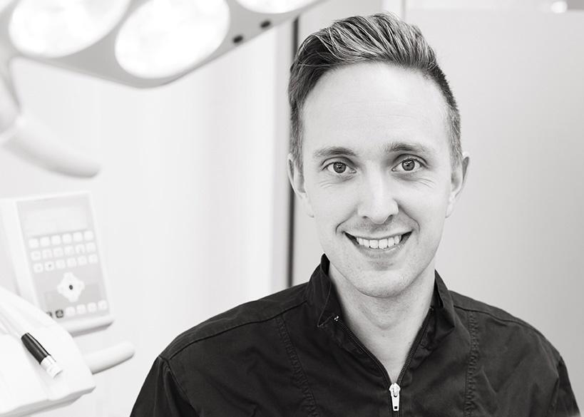 En leende tandhygienist