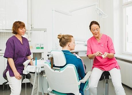 Undersökning för akuttandvård hos Tandläkare Elisabeth Ådén Jangenstål