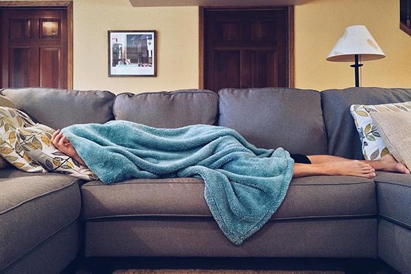 sjuk i soffan